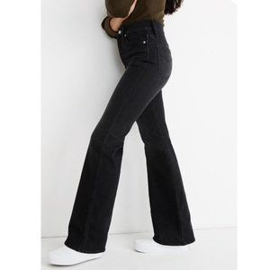 """Madewell NWT 11"""" High Rise Flare Bankside Wash"""